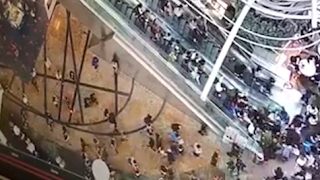 Hong Kong shoppers injured when escalator goes into reverse – video by : Guardian Wires
