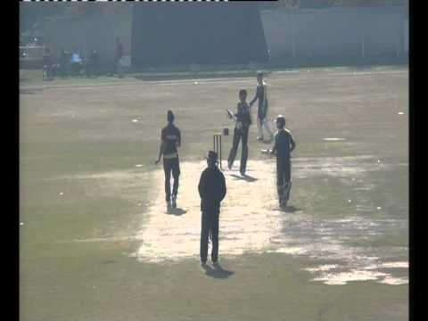 Download Kamran Afzal (4 Runs) Bowler : Ikramullah Niazi
