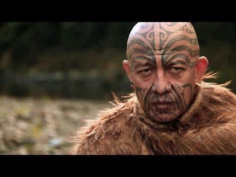 face tattoo maori ta moko new zealand te kahautu maxwell youtube. Black Bedroom Furniture Sets. Home Design Ideas