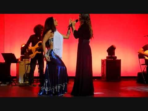 "Download India Martínez y Laura Martinez - ""Khedni Maak"" HD Alcalá de Guadaíra"