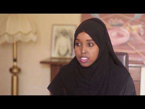 Deeqa Nuux Yoonis: Hal-abuuraddii Ku Guulaysatay Tartankii Gabayada ee BBC 100 ka Hablood u Qabatay.