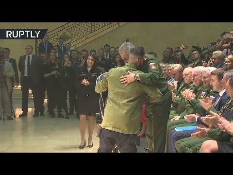 Тимати представил новую коллекцию одежды совместно с «Армией России» и подарил Шойгу куртку