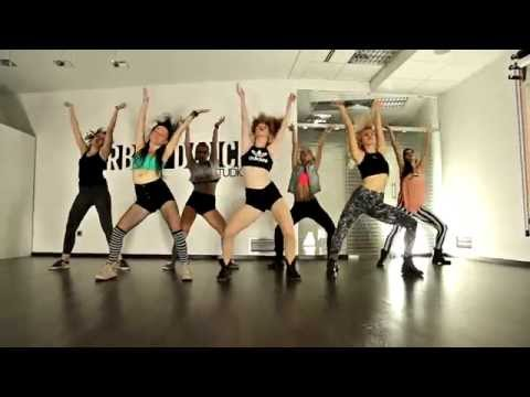 Alkaline - Fleek / FEMALE DANCEHALL CHOREOGRAPHY