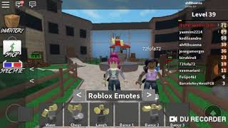 (Thainá was a murder) Ana and Thaina playing Roblox