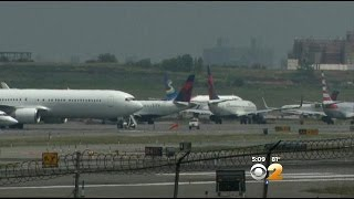 Passengers Frustrated By Tarmac Delays At Area Airports