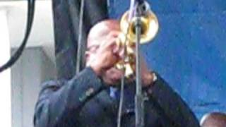 Ron Tooley plays solo with Maceo Parker