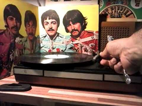 THE BEATLES / SGT. PEPPERS LONELY HEARTS CLUB BAND 1967