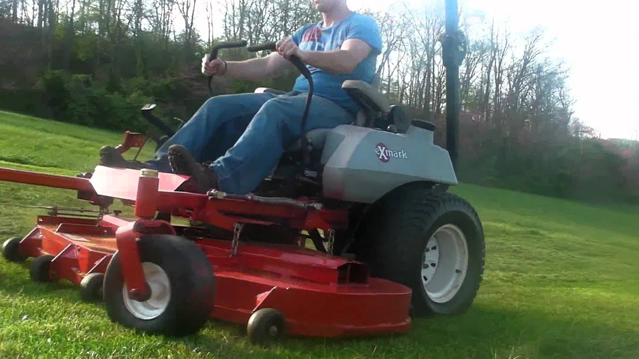 Exmark 72 Lazer Z COMMERCIAL mower, mowing grass   HD
