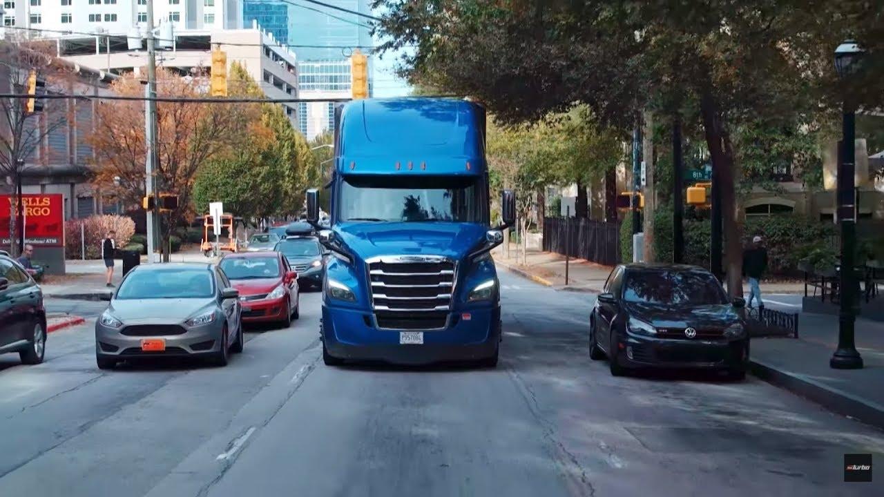 Jak zmieścić olbrzyma w ciasnych zakrętach centrum Atlanty? #Ciężarówką_przez_Stany
