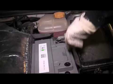 astra h how to change the battery on an opel vauxhall astra youtube. Black Bedroom Furniture Sets. Home Design Ideas