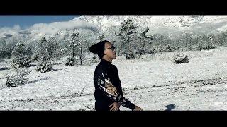 Tosh Zhang feat. Wang Weiliang《I