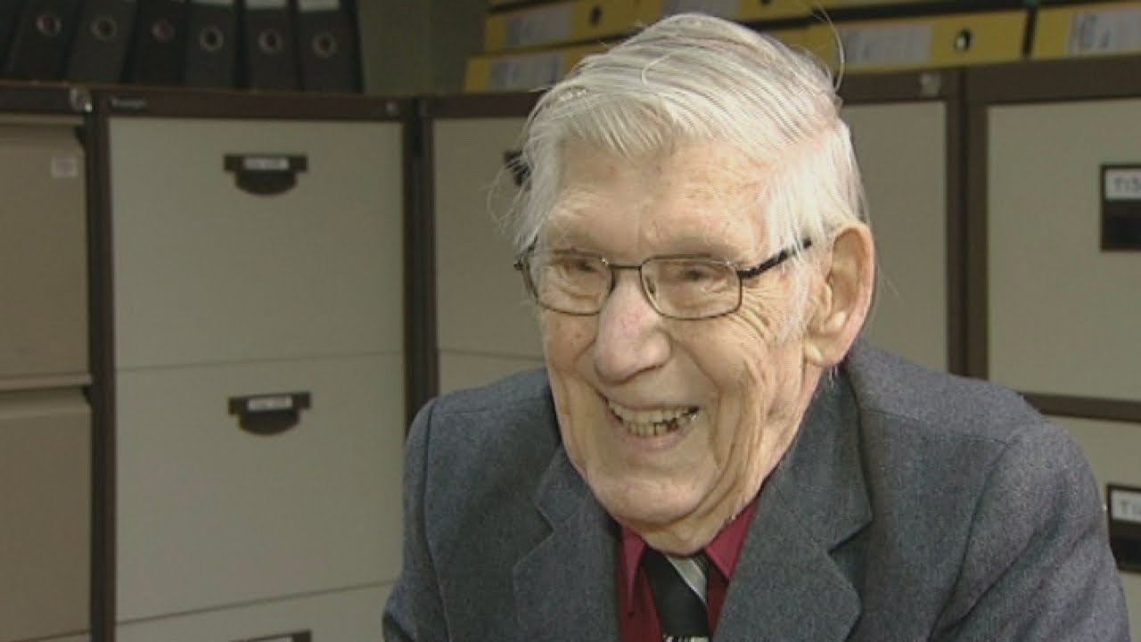 The 100-Year-Old Office Worker The Worlds Oldest Temp -7387