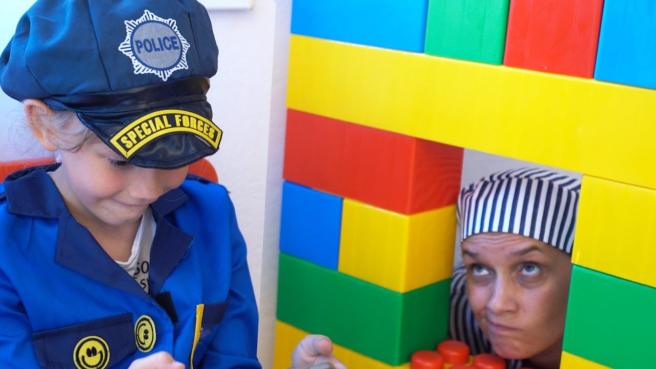 Download Alena and Mom pretend play Police by Chiko tv