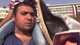 """بالفيديو  أنصار مبارك أمام """"المعادي العسكري"""": """"جينا نحتفل بصاحب الضربة الجوية"""""""