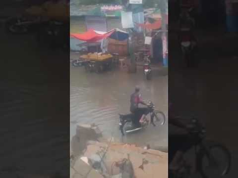 Karachi Dacoit, Robber  BIKE out of order during Rain