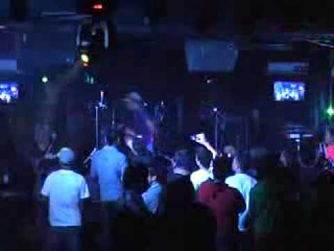 Kaka  Slank  feat DJ Lotuz @Malibu Cafe   Pub Makassar, Sept 2011   YouTube