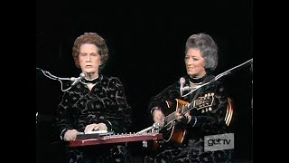 Sara & Maybelle Carter - You Are My Flower(The Johnny Cash Show 720p)