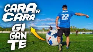 CARA A CARA 1vs1 *BALÓN GIGANTE* ¡Retos de Fútbol!