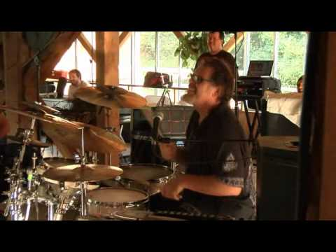The Crimson ProjeCKt - Indiscipline - INSANE DRUM BATTLE!!!!!!