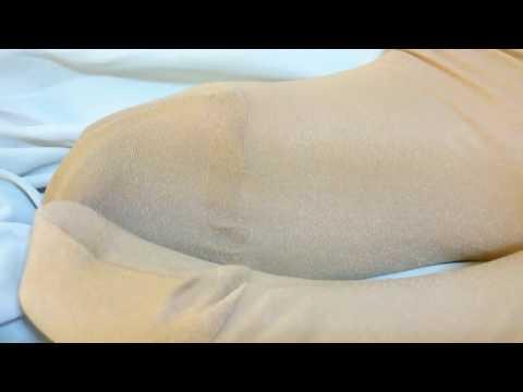 [4K動画]光沢パンストの足裏、爪先とホットパンツ  Chakuatsu.com_MAKO