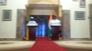 Mali Buzz TV Est En Direct [IBK En Visite Au Niger G5 Sahel] Regardez - Partagez !