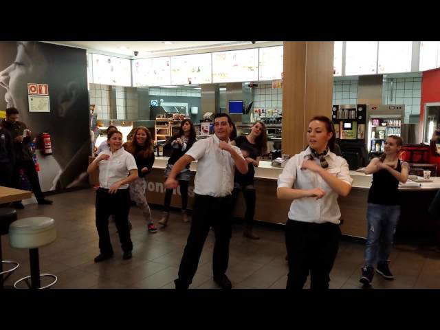 Flashmob Mc donald's Plaza Norte Videos De Viajes