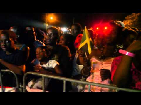 Carlene Davis Live at Gleaner Icons Concert in Kingston Jamaica July 2012
