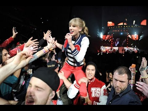 Taylor Swift - 22 (DVD The RED Tour Live)