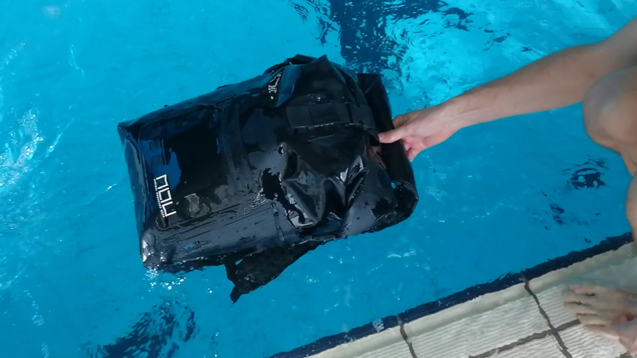The Riviera I Best World s Waterproof backpack - Immersion Test N1 ... ca21d9b675