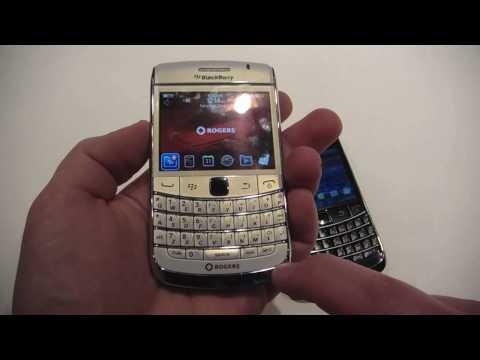 BlackBerry Bold 9700 in White