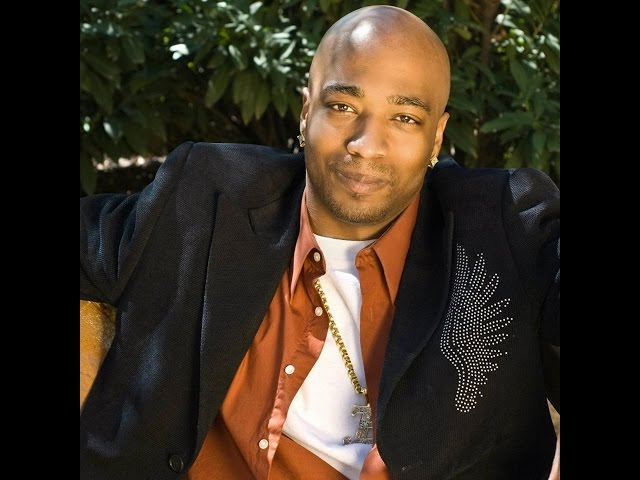Beau Bostic Performs at the 11th Annual Holiday Fashion Show in Baltimore MD.
