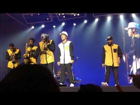 Bruno Mars - Treasure (Palau Sant Jordi BCN 2017)