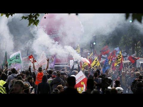 Le Pen Launches a Guerrilla War Unprecedented in French Politics