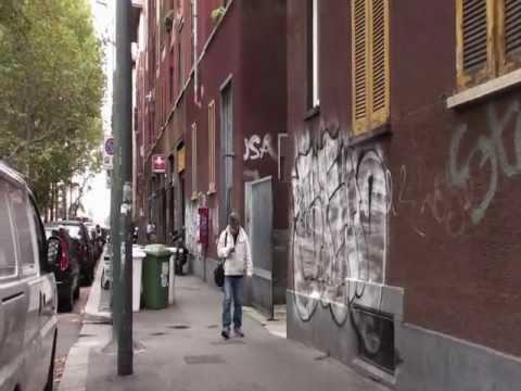 Situazione d'imbrattamenti in via Giambellino 60, Milano