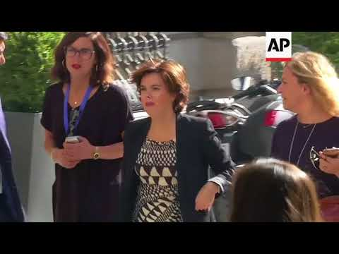 Rajoy, govt ministers arrive at Congress to discuss Catalan independence