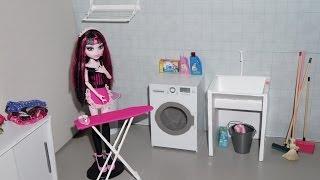 Monster High: Draculaura em um dia de Limpeza  (Draculaura