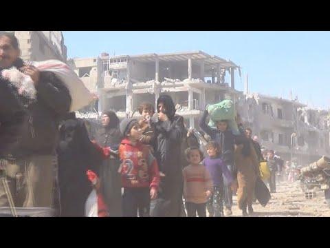 Milhares de civis fogem de frentes de combates na Síria