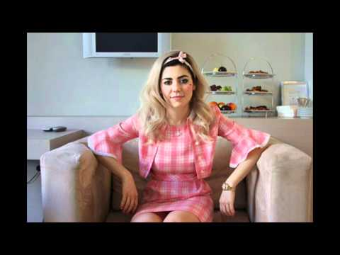 Marina and the Diamonds - Interview (The Wave 96.4FM 31/03/2012)