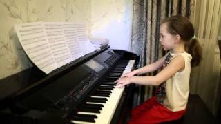 ЛИСТЬЯ ЖЕЛТЫЕ... Дети поют. Виктория Викторовна 6 лет.
