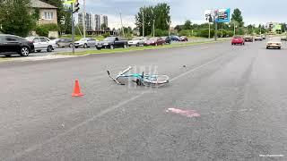 81-летняя велосипедистка госпитализирована в результате ДТП в Пскове
