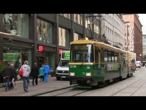 Spårvagnar och stadsbild i Helsingfors.