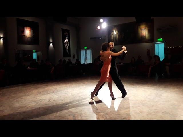 Salon Canning Parakultural Milonga - Paola Aguilera y Leonardo Auza. Bailar Tango Argentino