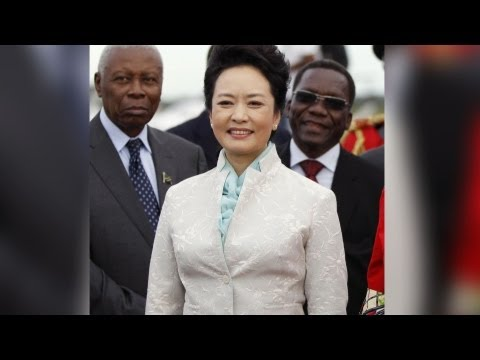 China's First Lady Creates Controversy With Fashion