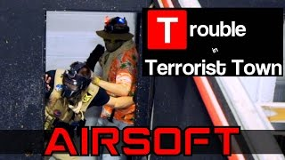 Airsoft Trouble In Terrorist Town - Trapped in the Closet