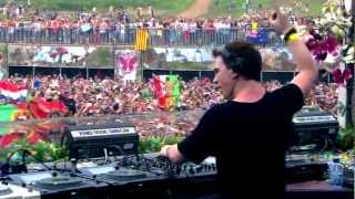 Repeat youtube video Hardwell - Spaceman vs Somebody that I used to Know (Live @Tomorrowland 2012)