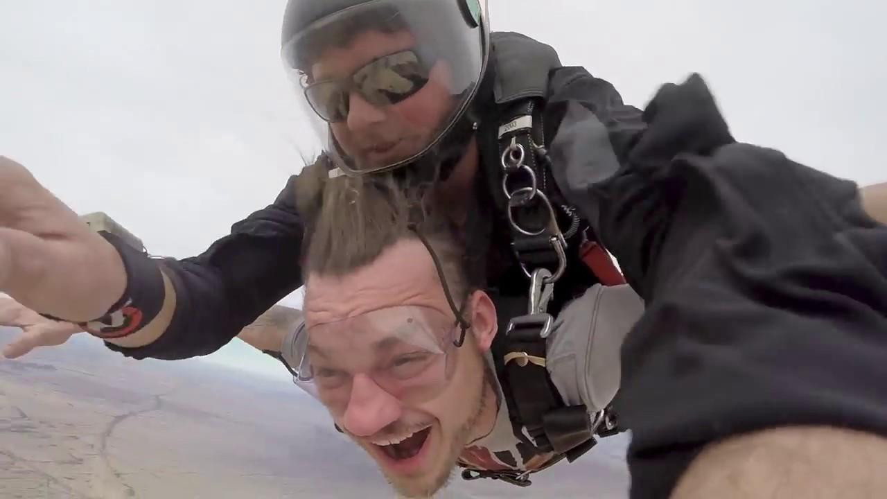 descriptive essay on skydiving