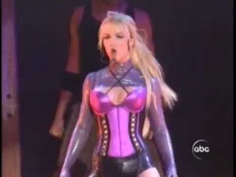 Britney Spears - Me Against The Music (Live At American Music Awards 2003)