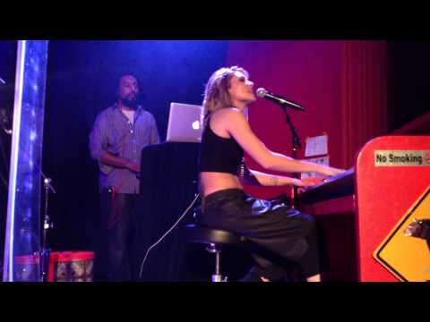 Wear Me Out (Live) - Skylar Grey (The Chapel, San Francisco, July 26th)