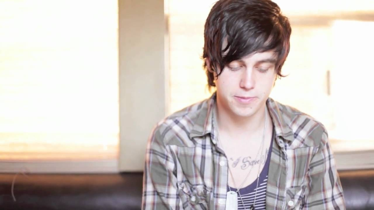 Kellin Quinn Haircut