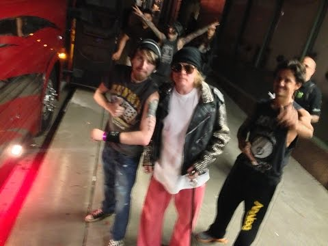 Rick Dunsford Meeting Axl Rose in Kansas City
